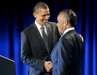 Alg_obama-sharpton-handshake